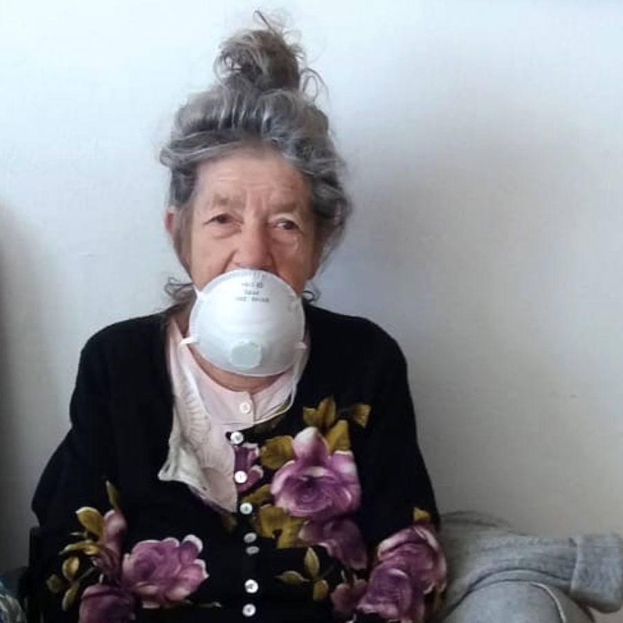 Amigour resident Etya Papugayev wearing a face mask